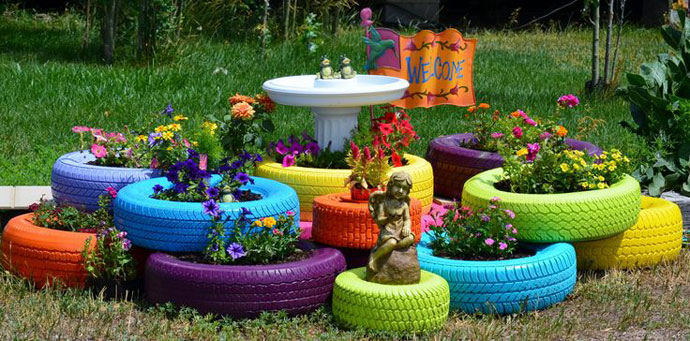 декорация в градината- цветарник от гуми